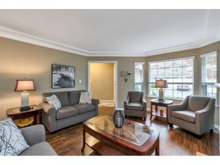 """Photo 4: 118 6109 W BOUNDARY Drive in Surrey: Panorama Ridge Townhouse for sale in """"LAKEWOOD GARDENS"""" : MLS®# R2625696"""