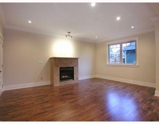 Photo 2: 1198 E 11TH Avenue in Vancouver: Mount Pleasant VE 1/2 Duplex for sale (Vancouver East)  : MLS®# V756732