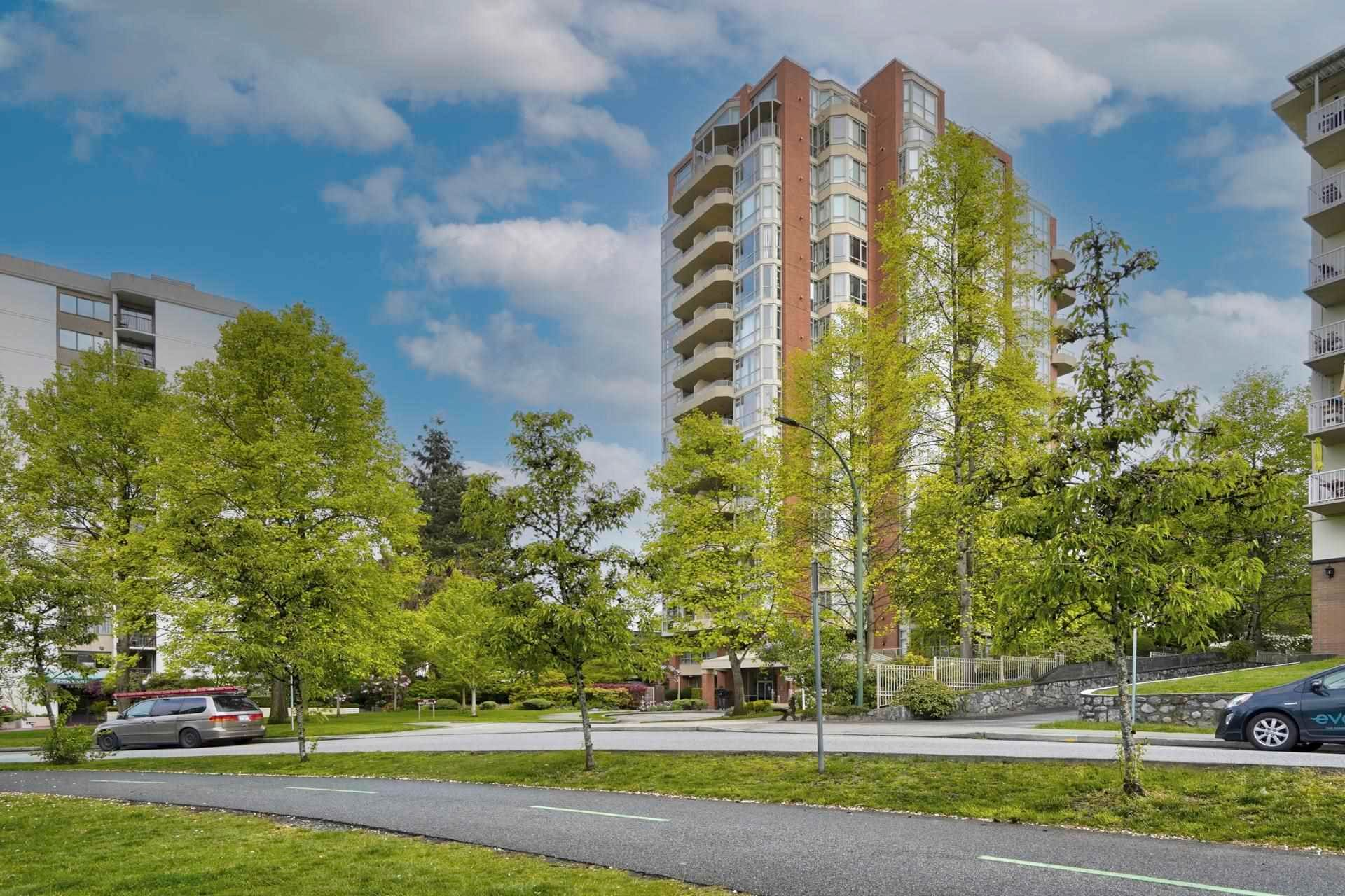 """Main Photo: 401 160 W KEITH Road in North Vancouver: Central Lonsdale Condo for sale in """"Victoria Park West"""" : MLS®# R2593294"""