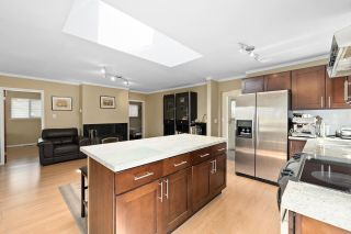 Photo 8: 1847 BRUNETTE Avenue in Coquitlam: Cape Horn House for sale : MLS®# R2574782