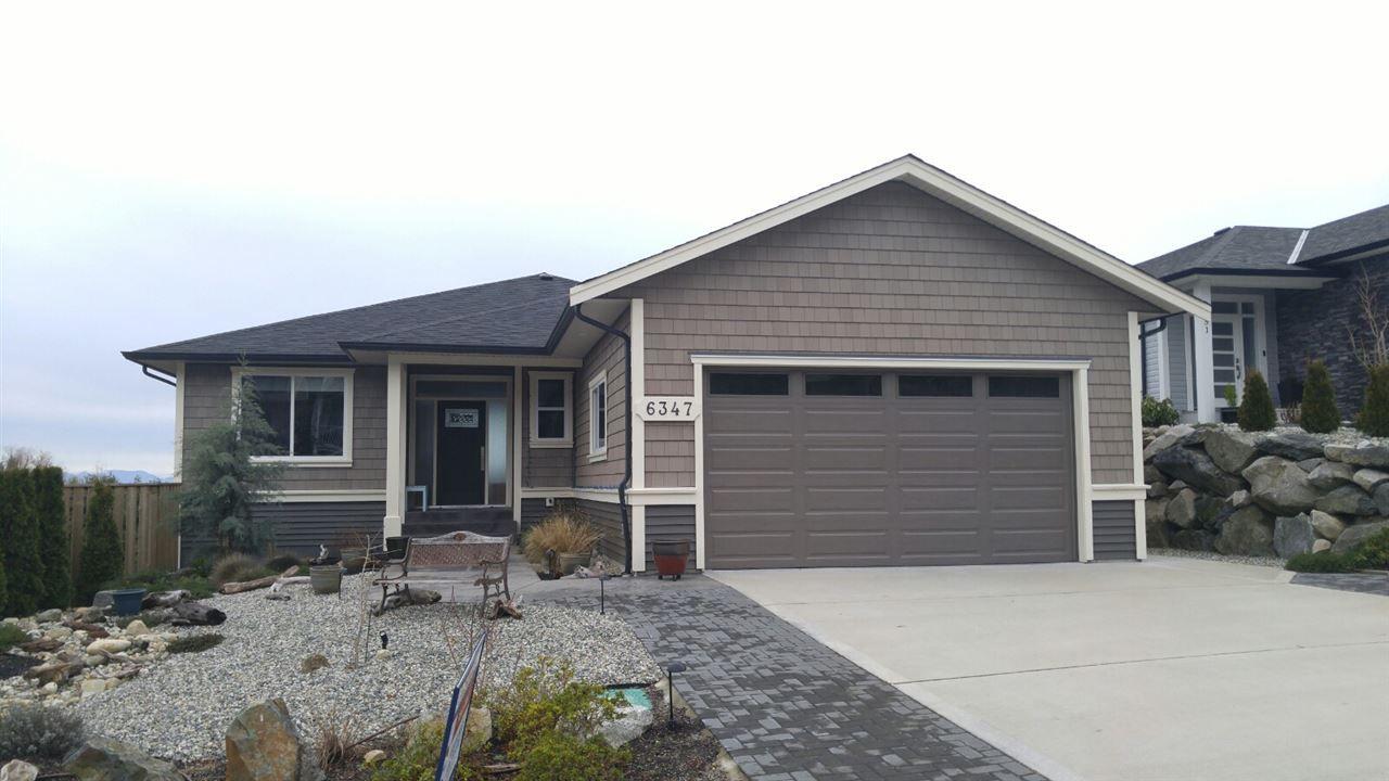 Main Photo: 6347 SAMRON Road in Sechelt: Sechelt District House for sale (Sunshine Coast)  : MLS®# R2426057