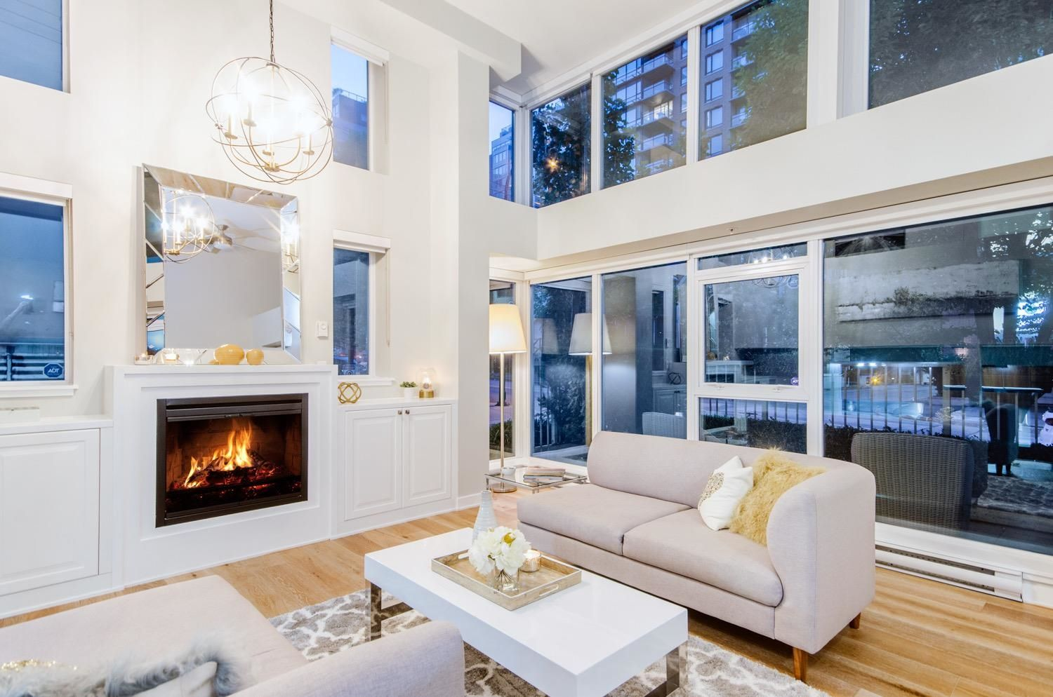 Main Photo: 428 HELMCKEN STREET in Vancouver: Yaletown Townhouse for sale (Vancouver West)  : MLS®# R2622159