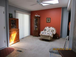 """Photo 3: 57 2305 200 Street in Langley: Brookswood Langley Manufactured Home for sale in """"CEDAR LANE"""" : MLS®# R2357125"""