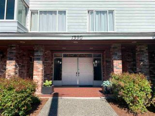 """Photo 32: 302 1390 MARTIN Street: White Rock Condo for sale in """"Kent Heritage"""" (South Surrey White Rock)  : MLS®# R2590811"""