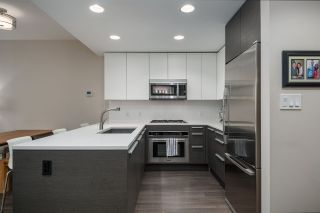 """Photo 2: 3305 2008 ROSSER Avenue in Burnaby: Brentwood Park Condo for sale in """"Solo District"""" (Burnaby North)  : MLS®# R2420827"""