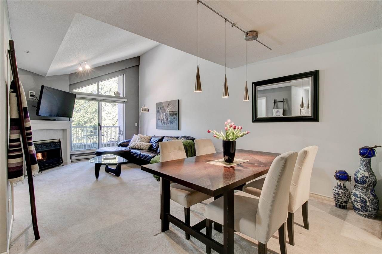 """Main Photo: 311 15272 20 Avenue in Surrey: King George Corridor Condo for sale in """"Windsor Court"""" (South Surrey White Rock)  : MLS®# R2582826"""