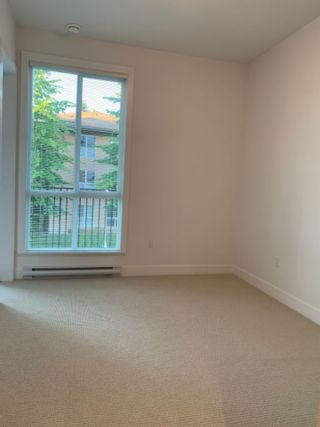 """Photo 14: 205 10168 149TH Street in Surrey: Guildford Condo for sale in """"Guildhouse II"""" (North Surrey)  : MLS®# R2398083"""