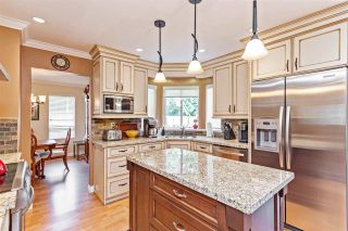Photo 5: 14668 84A Avenue in Surrey: Bear Creek Green Timbers House for sale : MLS®# R2451433