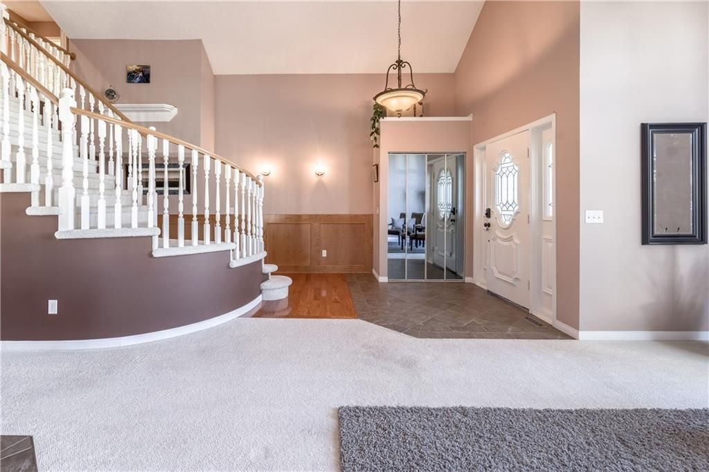 Photo 33: Photos: 248 WOOD VALLEY Bay SW in Calgary: Woodbine Detached for sale : MLS®# C4211183
