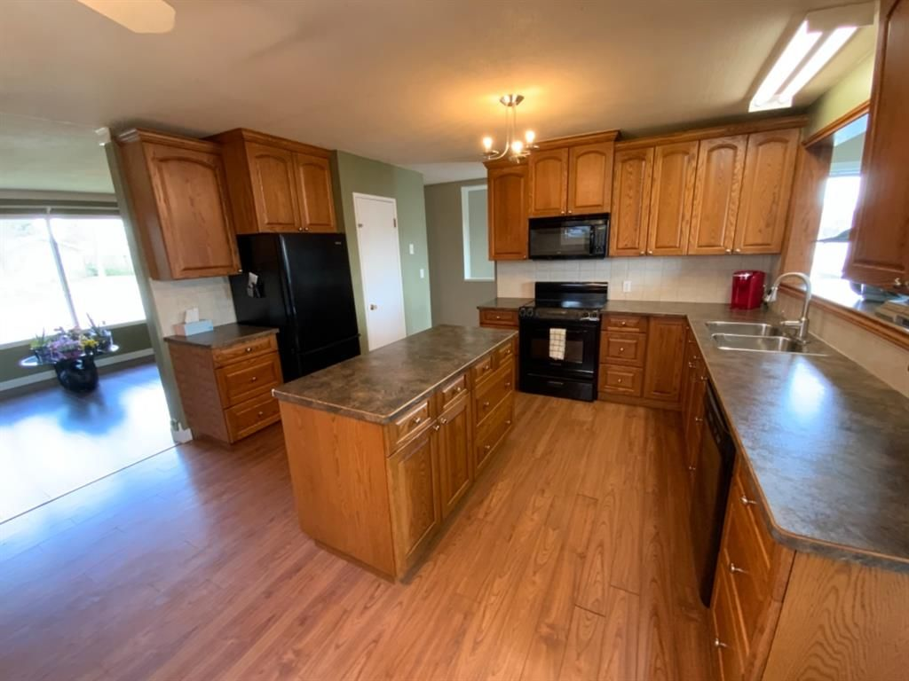 Photo 7: Photos: 571 3 Avenue SE: Three Hills Detached for sale : MLS®# A1105212
