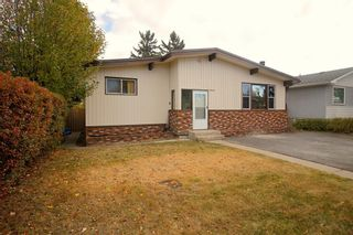 Photo 1: 10224 8 Street SW in Calgary: Southwood Detached for sale : MLS®# A1153893