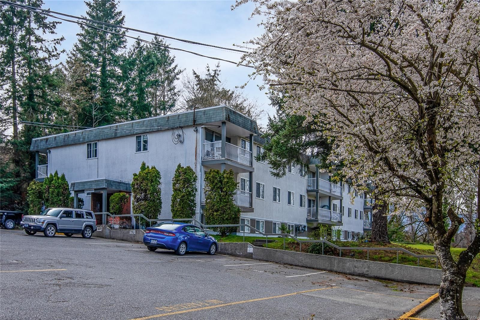 Main Photo: 4301 997 Bowen Rd in : Na Central Nanaimo Condo for sale (Nanaimo)  : MLS®# 872155
