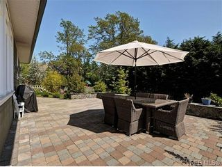 Photo 19: 1965 W Burnside Rd in VICTORIA: VR Hospital House for sale (View Royal)  : MLS®# 701142