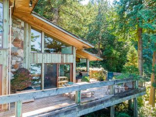 """Photo 27: 370 374 SMUGGLERS COVE Road: Bowen Island House for sale in """"Hood Point"""" : MLS®# R2518143"""