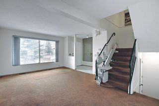 Photo 11: 329 Woodvale Crescent SW in Calgary: Woodlands Semi Detached for sale : MLS®# A1093334