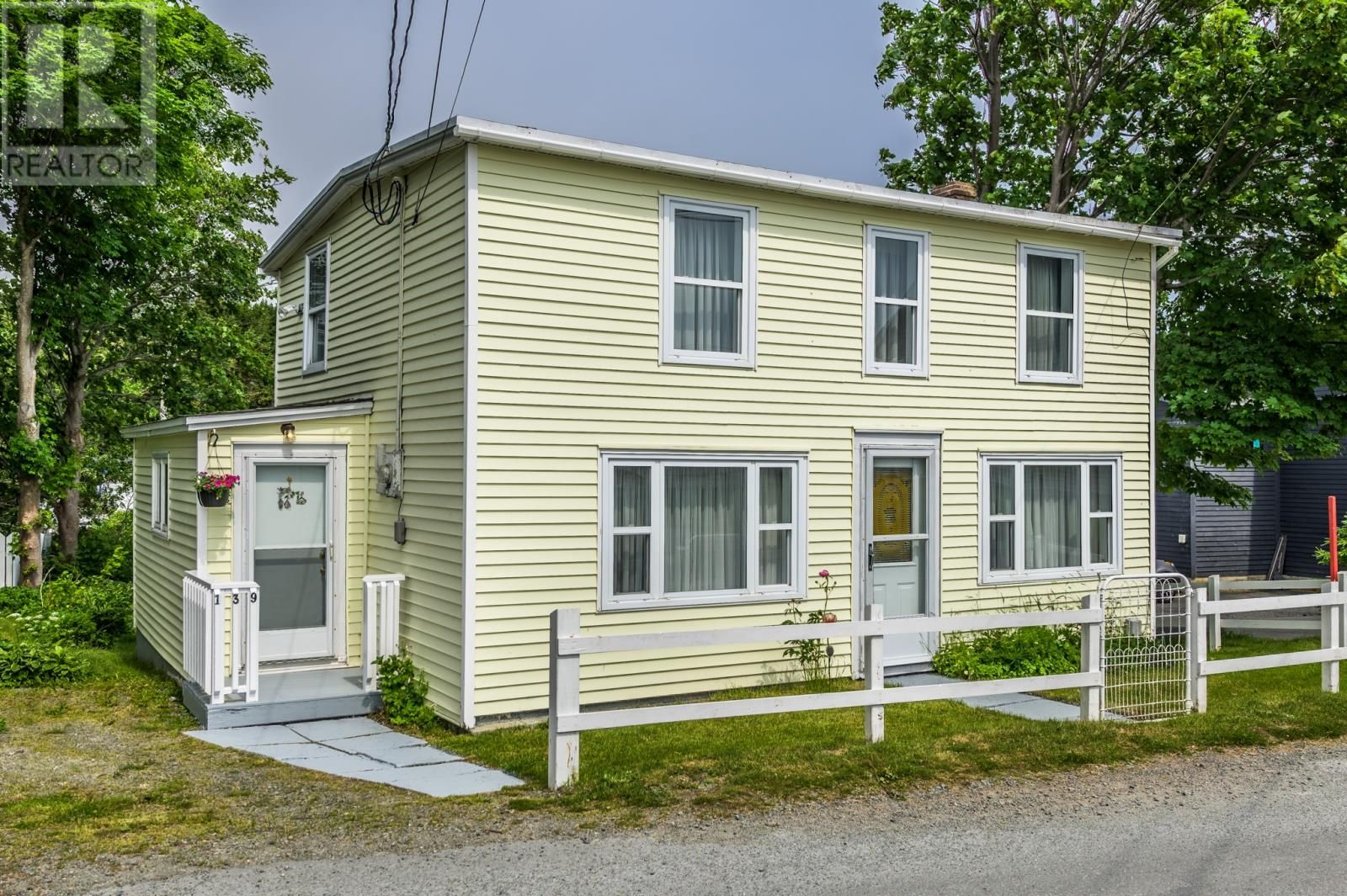 Main Photo: 139 Town Circle in Pouch Cove: House for sale : MLS®# 1233045