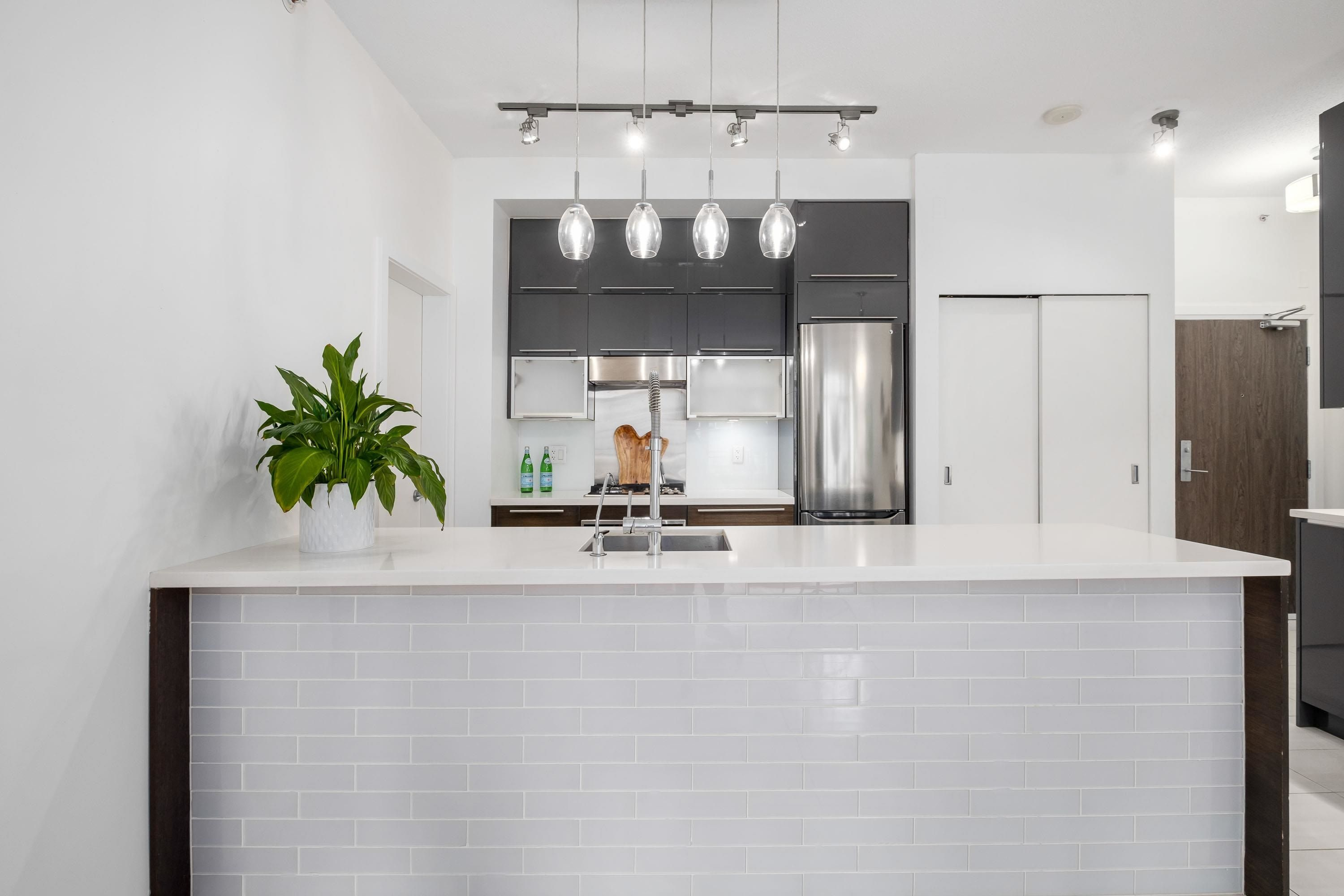 """Main Photo: 306 1252 HORNBY Street in Vancouver: Downtown VW Condo for sale in """"PURE"""" (Vancouver West)  : MLS®# R2621050"""