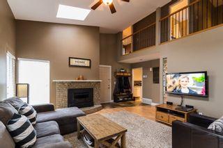 Photo 3: 21589 CHERRINGTON Avenue in Maple Ridge: West Central House for sale : MLS®# R2123882