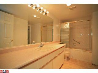 """Photo 8: 309 12101 80TH Avenue in Surrey: Queen Mary Park Surrey Condo for sale in """"Surrey Town Manor"""" : MLS®# F1118358"""