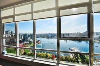 """Photo 2: 2505 1483 HOMER Street in Vancouver: Yaletown Condo for sale in """"THE WATERFORD BY CONCORD PACIFIC"""" (Vancouver West)  : MLS®# R2625455"""