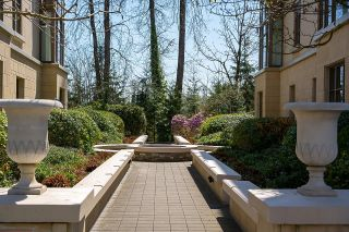 """Photo 3: 301 540 WATERS EDGE Crescent in West Vancouver: Park Royal Condo for sale in """"Waters Edge"""" : MLS®# R2603375"""