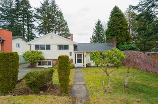 Photo 1: 1226 PARKER Street: White Rock House for sale (South Surrey White Rock)  : MLS®# R2343363