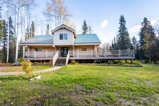 """Photo 2: 4985 MEADOWLARK Road in Prince George: Hobby Ranches House for sale in """"HOBBY RANCHES"""" (PG Rural North (Zone 76))  : MLS®# R2508540"""