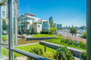 """Photo 19: TH112 1288 MARINASIDE Crescent in Vancouver: Yaletown Townhouse for sale in """"Crestmark 1"""" (Vancouver West)  : MLS®# R2587064"""