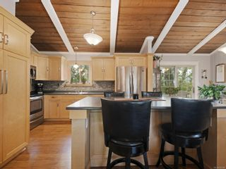Photo 9: 923 Stellys Cross Rd in : CS Brentwood Bay House for sale (Central Saanich)  : MLS®# 875088