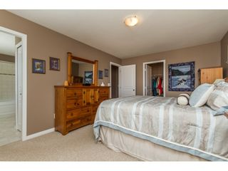 """Photo 11: 36014 STEPHEN LEACOCK Drive in Abbotsford: Abbotsford East House for sale in """"Auguston"""" : MLS®# R2158751"""