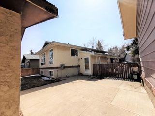 Photo 17: 911 Whitehill Way NE in Calgary: Whitehorn Detached for sale : MLS®# A1118119