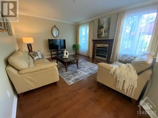 Photo 13: 22 GREATWOOD CRESCENT in Ottawa: House for sale : MLS®# 1258576