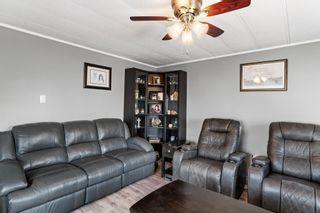 Photo 3: 4405 50 Avenue: Cold Lake Mobile for sale : MLS®# E4249464