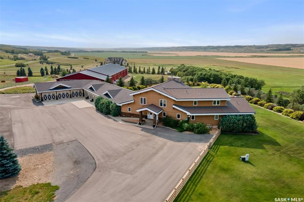 Main Photo: Leach Acreage in Lumsden: Residential for sale (Lumsden Rm No. 189)  : MLS®# SK865113