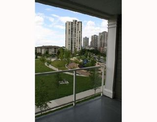 """Photo 10: 304 3551 FOSTER Avenue in Vancouver: Collingwood Vancouver East Condo for sale in """"FINALE"""" (Vancouver East)  : MLS®# V654747"""