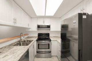 Photo 3: 703 930 Yates St in : Vi Downtown Condo for sale (Victoria)  : MLS®# 861841