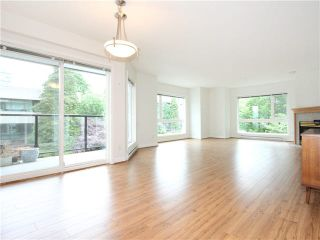 "Photo 1: 303 2577 WILLOW Street in Vancouver: Fairview VW Condo for sale in ""Willow Garden"" (Vancouver West)  : MLS®# V1097846"