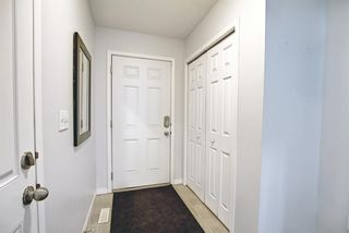 Photo 4: 28 Everhollow Way SW in Calgary: Evergreen Row/Townhouse for sale : MLS®# A1122910