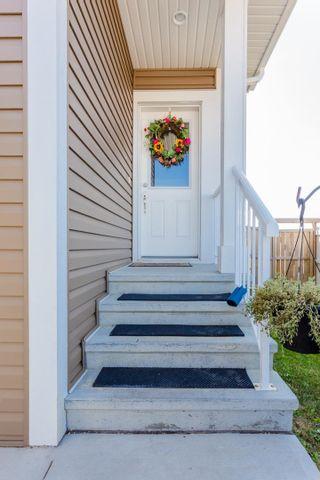 Photo 2: 539 Sturtz Link: Leduc House Half Duplex for sale : MLS®# E4259432