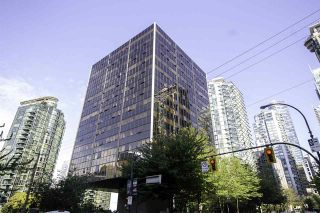 """Photo 1: 1304 1333 W GEORGIA Street in Vancouver: Coal Harbour Condo for sale in """"The Qube"""" (Vancouver West)  : MLS®# R2472774"""