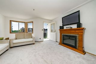 """Photo 6: 312 5710 201 Street in Langley: Langley City Condo for sale in """"WHITE OAKS"""" : MLS®# R2387162"""