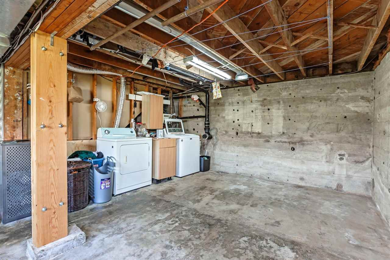 Photo 18: Photos: 8042 CEDAR Street in Mission: Mission BC House for sale : MLS®# R2579765