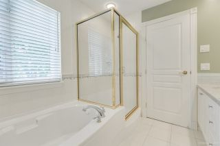 """Photo 23: 57 3405 PLATEAU Boulevard in Coquitlam: Westwood Plateau Townhouse for sale in """"PINNACLE RIDGE"""" : MLS®# R2483170"""