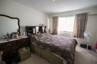Photo 5: 5865 SPROTT Street in Burnaby: Central BN 1/2 Duplex for sale (Burnaby North)  : MLS®# R2160305