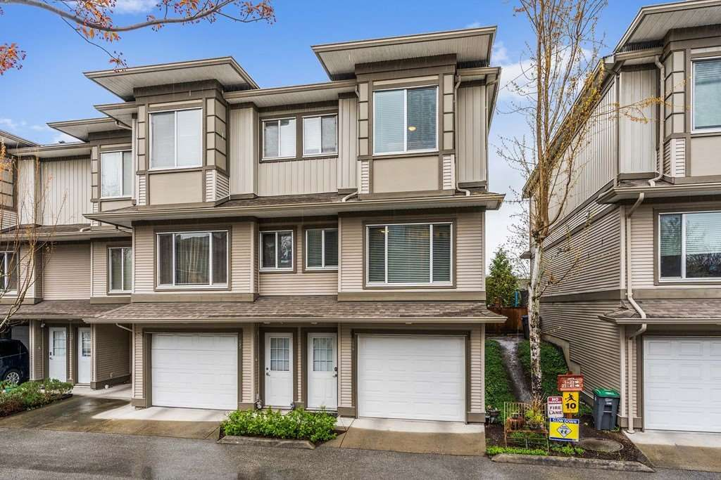 Main Photo: 24 18701 66 AVENUE in Surrey: Cloverdale BC Townhouse for sale (Cloverdale)  : MLS®# R2358136