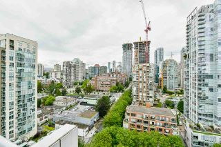 """Photo 15: 2002 1500 HORNBY Street in Vancouver: Yaletown Condo for sale in """"888 BEACH"""" (Vancouver West)  : MLS®# R2461920"""