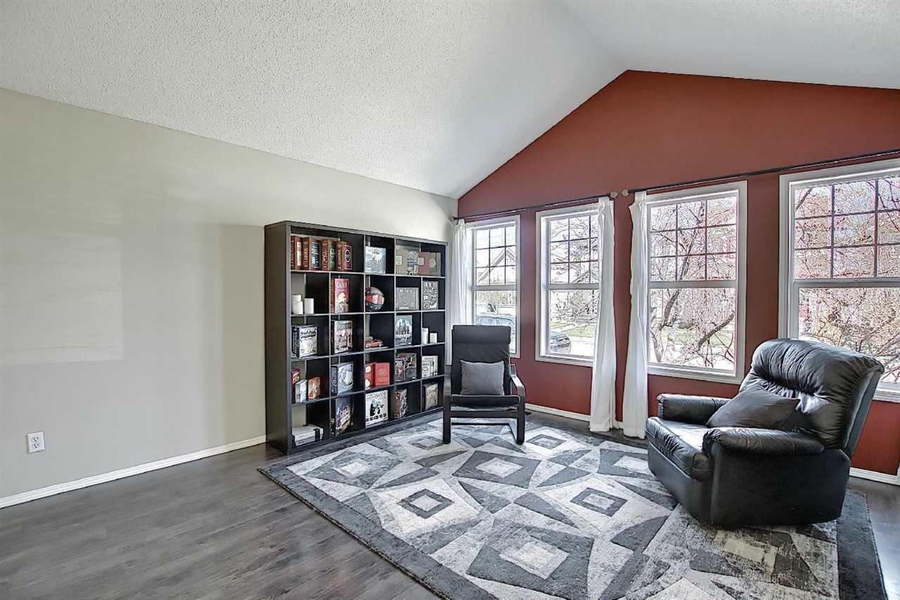Main Photo: 14059 152 Avenue in Edmonton: Zone 27 House for sale : MLS®# E4242000