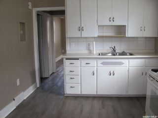 Photo 5: 1123 Idylwyld Drive North in Saskatoon: Caswell Hill Residential for sale : MLS®# SK856548