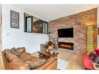 Photo 3: 104 220 SALTER STREET in New Westminster: Queensborough Condo for sale : MLS®# R2506742
