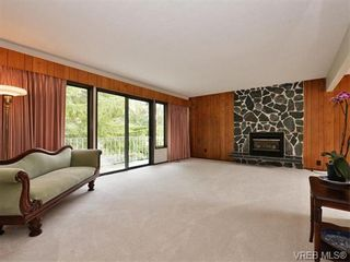 Photo 2: 1863 Penshurst Rd in VICTORIA: SE Gordon Head House for sale (Saanich East)  : MLS®# 743089
